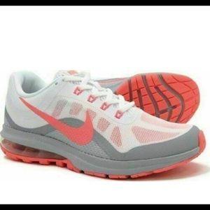 NIB Nike Women's Air Max Dyansty 2 Sneakers 11